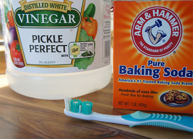How To Remove Mould With Baking Soda Vinegar Paste